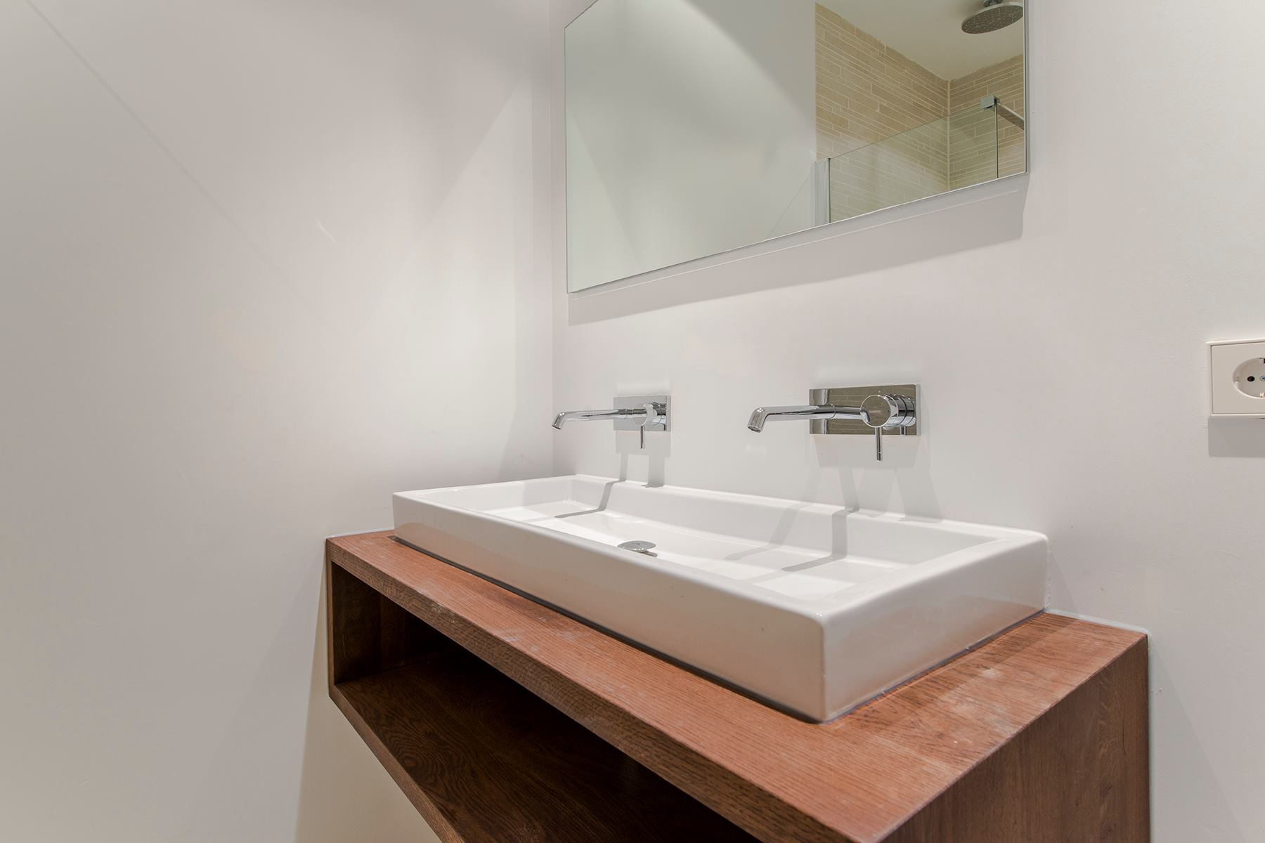 Nieuwe Badkamer Amsterdam : Nieuwe achtergracht amsterdam biloxi vastgoed b v badkamer