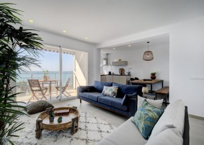 Estepona Beachfront renovated apartment Iberia